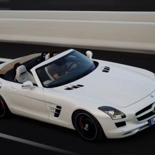 Coulthard fångar golfboll i 300 km/h