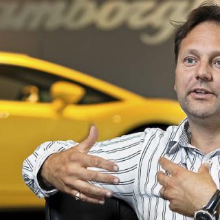 Aston Martin bekräftar ny modell