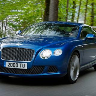 Bentley får V8