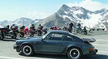 Efter alla strapatser på resan till Österrike kände jag mig som Sir Edmund Hillary när vi nådde den nästan 2600 meter höga toppen på Edelweisspitze .