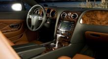 Massivt intryck i stort och smått och detaljfinish väl i klass med bilens pris. Treekrad ratt är förbehållen GT Speed.
