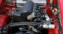 150 hästar ur en R1-motor som är en billig drivkälla eftersom många mc-förare kör omkull med den ultrasnabba snabba sportmaskinen.