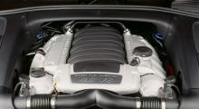 V8-maskinen på 4,8 liter har skrämts upp till 405 hk och ett nytt sportavgassystem gör att den låter lika bra som den går.