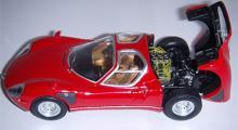 Alfa Romeo 33 Stradale (Minichamps). Skala 1:43.