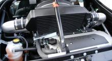 Tjugoåtta hästkrafter ytterligare jämfört med originalets 192 - jo, det är ännu roligare med kompressor!