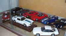 De få standardbilar som ingår i min samling, alla på bilden är i skala 1:18.