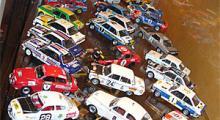 Hyllan med de äldsta rallybilarna, sträcker sig från tidigt 1960-tal till början av 1980-talet.