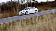 BMW 335i Coupé. Vacker som en hel dag och inte det minsta italiensk. Det tackar vi för.