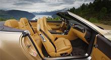 Interiören i Continental GTC är synnerligen inbjudande och lika bekväm som den ser ut. Snyggt och välgjort - men inte perfekt. En del detaljer håller inte riktigt den klass som bilar av den här kalibern bör göra.
