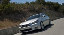 Lexus GS tuffar till sig