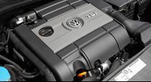 Från motorkod EA888 till EA113 och tio extra kusar på köpet. Jubileumsversionen av Golf GTI har en helt annan turbofyra än vanliga Golf GTI, med gott om godisinkråm.
